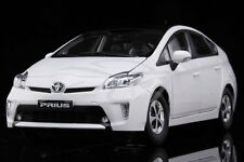 Diecast Car Model Toyota Prius 1:18 (White) + GIFT!!!