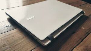 Acer Aspire Laptop i7 8gb ram ssd 13 inch white