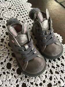 Harper Canyon Baby Girls Gray Bunny Boots Shoes Size 4M