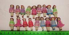 Un fait main argile polymère fille maison de poupées miniature