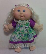 Bambola Cabbage Patch JAKKS, bionda, vestito cotone raso merletto, alta 35 cm