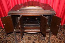 """ Victrola "" Mfg. by Victor Talking Machine Co, Walnut Cabinet 1920's U.S.A."