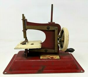 VTG Gateway Engineering Co Junior Model NP-1 Childs Toy Red Sewing Machine HB21