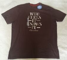 "Life Is Good Men's Oak Brown ""Who Feels It Knows It"" Tee Size XL"