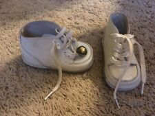 Vintage CHILD LIFE BABY SHOES size 2 1/2 E  WHITE LEATHER w/bell NICE   F99