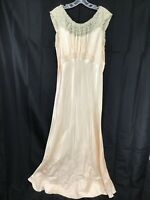 LOVELY LONG VNTG 40s PINK SATIN GLAMOUR NEGLIGEE NIGHTGOWN Medium -Large