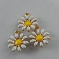30x Multi Color Alloy Tiny Enamel Flower Shape Decor Crafts Charms Jewelry 50992