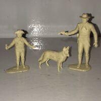 Marx Rin Tin Tin Fort Apache Playset Rip Masters, Rusty, & Dog Plastic Figures