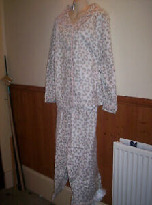 BRAND NEW - NEW LOOK CREAM BRUSHED COTTON BUTTON FRONT PYJAMAS SIZE 24