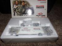 1/64 RICHARD CHILDRESS TEAM REALTREE SOUVENIR RIG 2003 ACTION NASCAR DIECAST