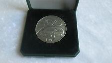 Médaille automobile 100 ans de Skoda avec Tacot au dos 1995