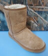 UGG Classic Short Boots  Chestnut  Size  8 USA F8008A