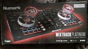 Numark Mixtrack Platinum FX 4-Deck DJ-Controller Jowheel-Display Effektpaddeln