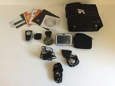 TomTom GO 910 Car GPS Navigator USA & Europe Maps Lots of Accessories