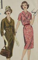 1950s Vogue Vintage Sewing Pattern Dress 9843 Bust 32