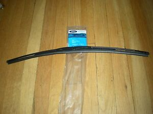 NOS 1991 92 93 LINCOLN TOWN WINDSHIELD WIPER BLADE 22""