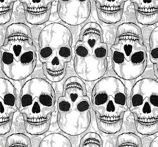 Designer Patchworkstoff Totenköpfe Grau Stoff Halloween Totenschädel Gothic Deko