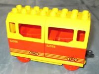 Lego Duplo Eisenbahn Personen Waggon f. Schienen rot-gelb  Wagon  Anhänger