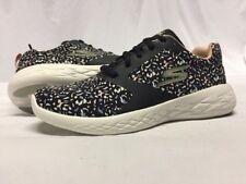 SKECHERS  GORUN Women's Athletics Shoes Size 6, Black/ Magenta .....S25