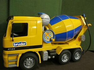 Bruder MX 5000 Cement Mixer Mercedes Actros 4143 Truck Construction Vehicle