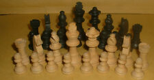 LINDOP,S BOXWOOD CHESS PIECES IN BOX