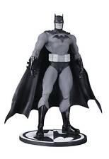 DC Collectibles Batman Black & White Hush Jim Lee Figure