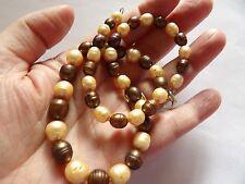 Mano anudada graduarse tonos de marrón Perlas Collar De Plata De Ley Broche A15