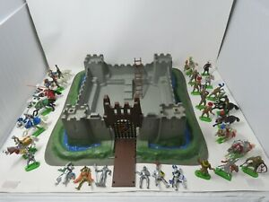 Vintage Britains Made in England , 25+ figures & Tower - Free Shipping