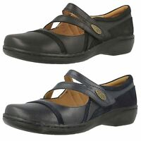 Ladies Clarks Black/Navy Leather Shoes UK Sizes 3-9 Evianna Crown