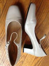 Trotters Women's 11 (WW) Extra Wide Ivory Heels