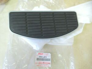SUZUKI OEM - RIGHT FRONT DRIVERS FOOTREST PAD - VOLUSIA 800 + BLVD C50 ALL YEARS