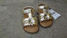 wonderkids Sandals toddler girls color gold size 3 Brand new