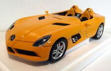 Véhicules miniatures orange sous boîte fermée pour Mercedes