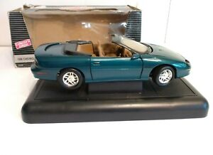 ERTL 1/18 American Muscle 1996 Chevy Camaro Z/28 Convertible Teal (Damaged Box)