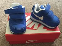 Boys Nike MD Runner Blue White Trainers 2 Strap Size UK 1.5