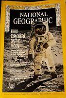 MOON LANDING / NATIONAL GEOGRAPHIC / DECEMBER 1969 / VOL 136 NO 6 / APOLLO 11