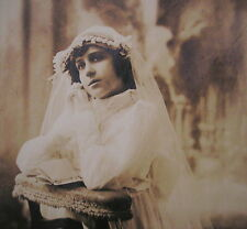LATE 1800's GIRL 1st COMMUNION NICE DRESSED w/LILIES ARTISTIC CABINET PHOTO