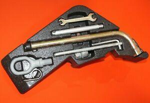 Porsche Cayenne 2003-2010 OEM Tool Kit Set