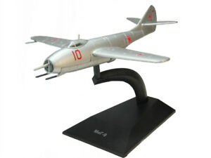 MiG-9 Mikoyan-Gurevich Fighter Aircraft 1946 Year 1/87 Scale Model with Stand