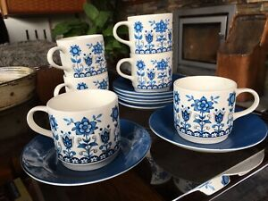 6 x Vintage Johnson Bros Tudor Pattern Teacups and Saucers in Blue