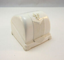 VINTAGE CREAM COLORED CLAM STYLE B RUDUICK RING CASE W/ BLUE VELVET *