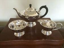 Adorabile 3 Pezzi Argento Placcato dai piedi servizio da tè ha avuto poco utilizzata (rif. 1200)