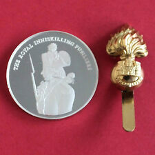 THE ROYAL INNISKILLING FUSILIERS 45mm HALLMARK SILVER PROOF MEDAL & INSIGNIA SET