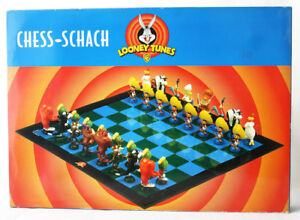 RARE 1999 LOONEY TUNES CHESS 3D FIGURES COYOTE TAZ SYLVESTER NEW !