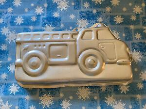 Wilton 2105-2061 Firetruck Cake Pan Baking Mold Fire Truck Used