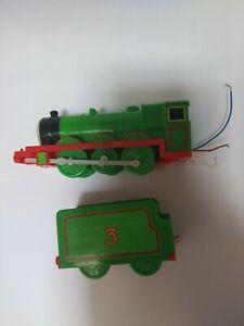 Thomas&Friends 2002 Trackmaster motorized train engin Henry&Tender 1993 Tomy.m29