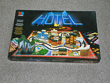 1986 VINTAGE HOTEL GAME : By MB - COMPLETE With LAMPOSTS - IN VGC (FREE UK P&P)