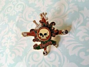T21 Disney Pirates of Caribbean Skull Cross Tie Clip Clasp Bar Pin Gift for him*