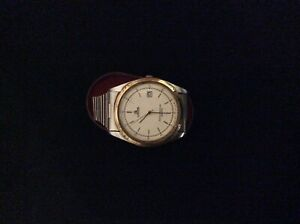 Mans Lotus quarts watch in a used condition C030820