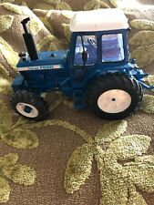 Britains Ford TW-20 Tractor Classic Vintage Model 1:32 scale 2013